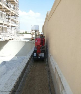 Mini crane is the perfect fit at Dubai's Emirates Hills