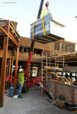 UNIC Spider Crane Helps Make Over Dubai Resturant