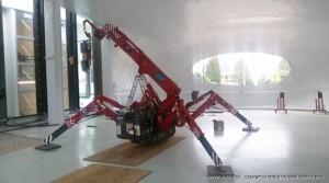 UNIC Spider Crane crawls inside Czech Museum