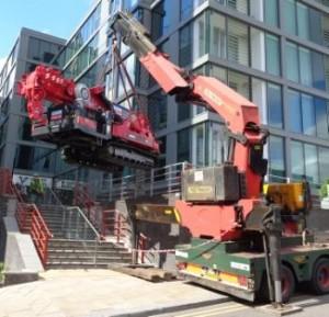 Crane being Lifted (4) com