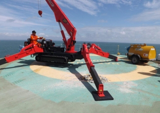Our UNIC spider cranes are perfect for work on offshore jobs