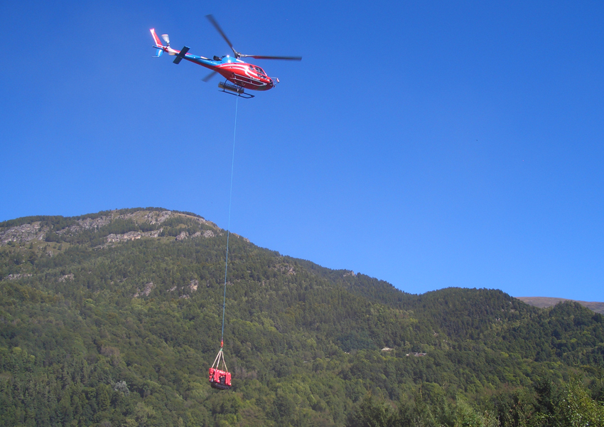 This URW-094 was air lifted by helicoper to a mountainous region in Italy
