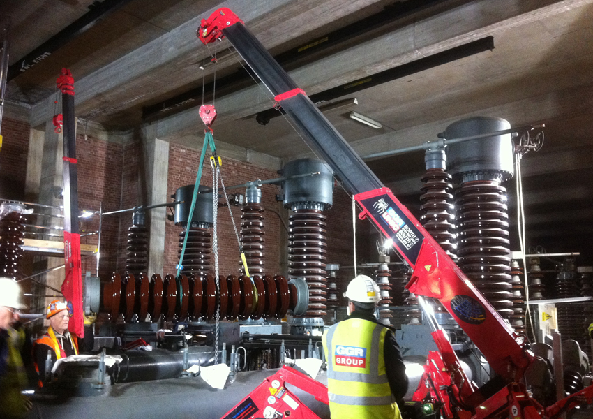 This URW-095 mini spider crane helped with the installation of a new power plant