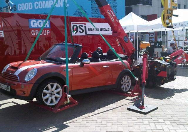 Featured at the Big 5 trade show in Dubai this 295 mini crane lifted a Mini