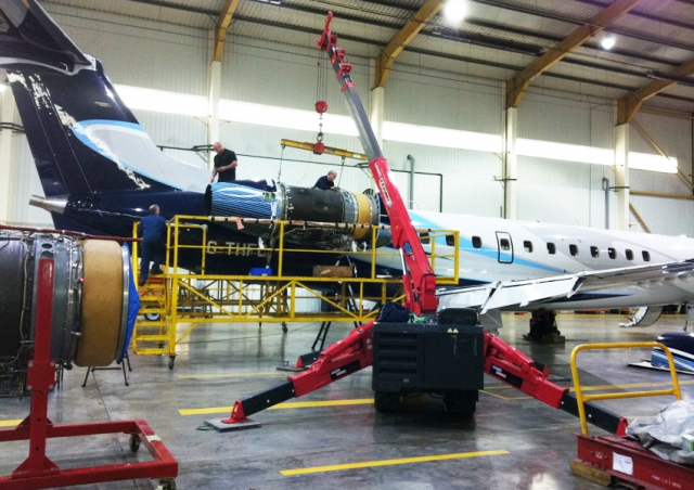 The Tottenham Hotspur football teams jet needed some help from out URW-376 to carry out maintenance