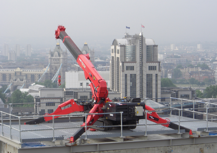 A URW-706 on top of the St Botolphs hospital has a great view of The America Square Conference Centre