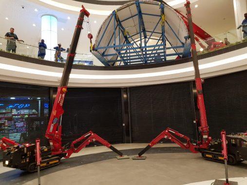 UNIC Spider Mini Cranes SA Install Aquarium at South African Mall