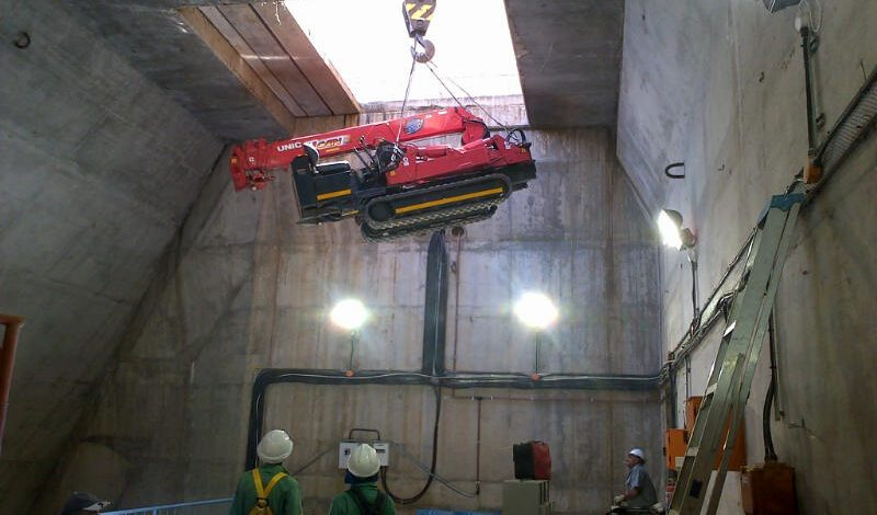 URW 376 Lifting in Dam
